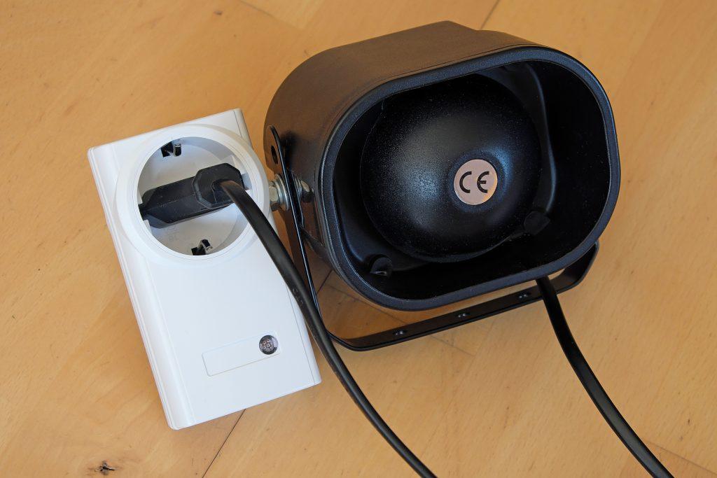 Die Empfängerseite des Funk Regenwarner in der Brotdose - Funksteckdose mit Alarmsirene