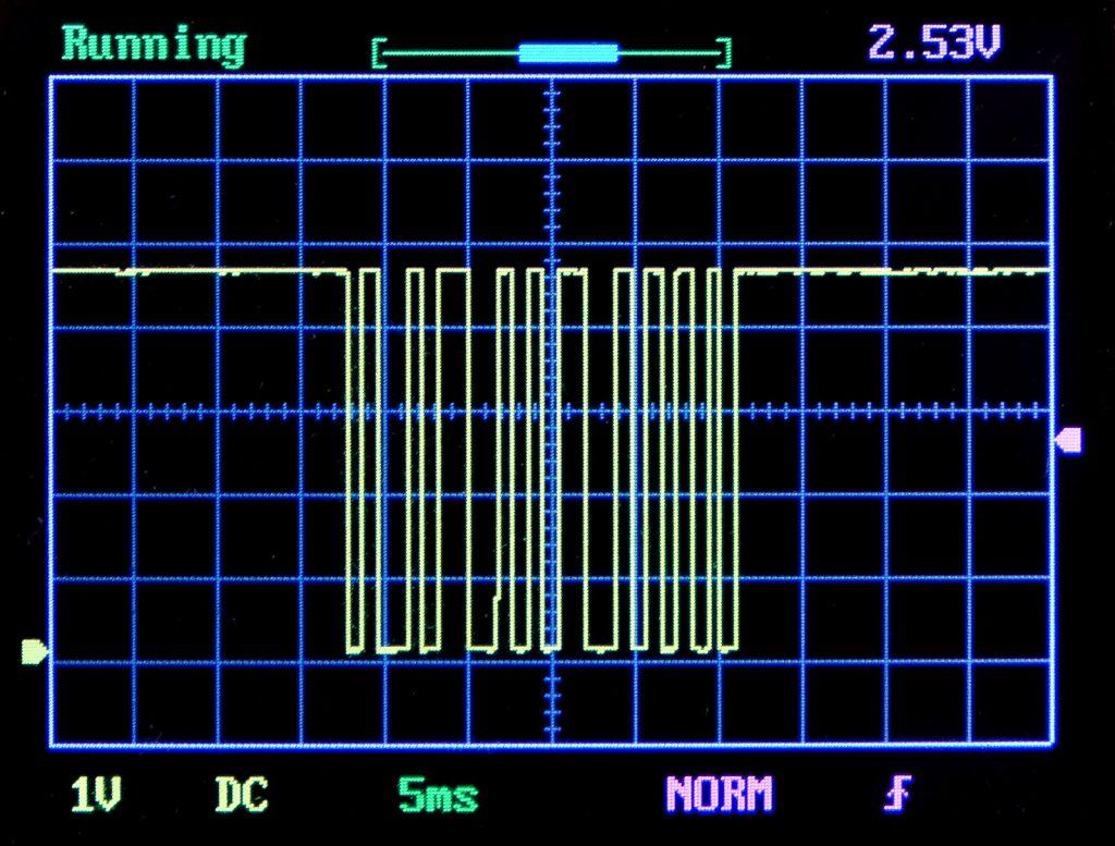 Signal einer IR Fernbedienung am Datenpin des Empfängers; gemessen am DSO 138