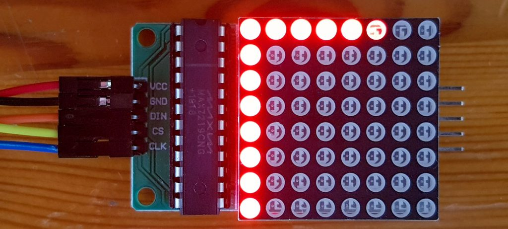 8x8 LED Matrix Display with integrated MAX7219